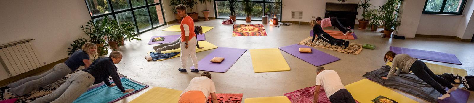 Foto lezione di yoga Aula Magna costellazioni